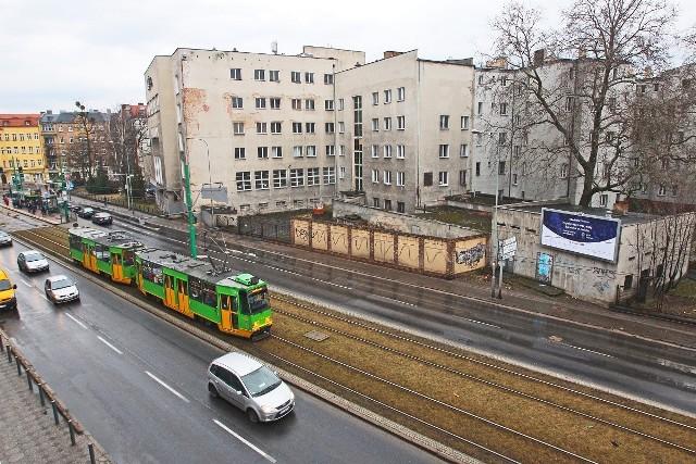 W związku z budową ścieżki rowerowej wzdłuż Grunwaldzkiej na odcinku od Ułańskiej do Matejki trzeba będzie wyburzyć budynki, należące do dawnego kina Olimpia