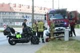 Wypadek na al. Kromera we Wrocławiu. Nieprzytomna pasażerka motocykla odwieziona do szpitala [ZDJĘCIA]