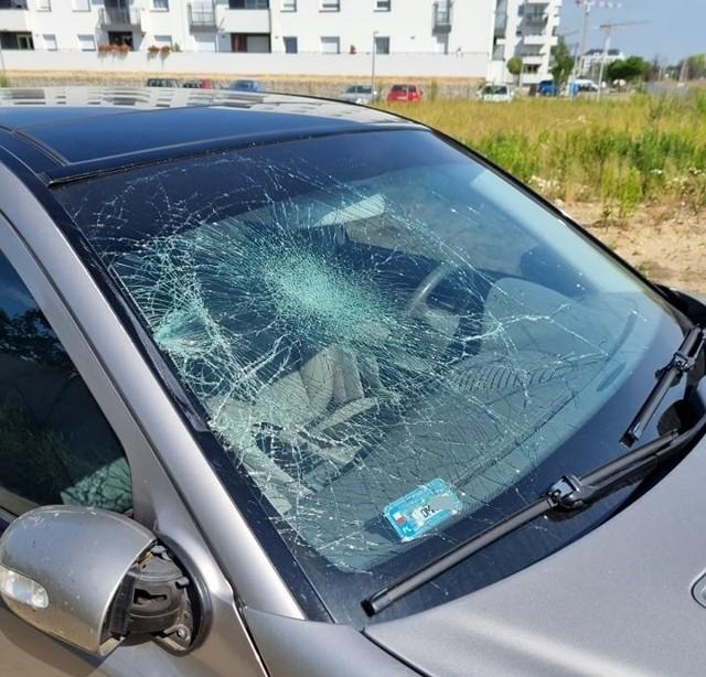 Sprawca niebezpiecznego rajdu na Jagodnie jest poszukiwany przez policję