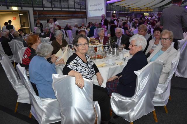 W sobotę (15 października) w hali CRS rozpoczął się koncert z okazji zakończenia XVIII Lubuskiego Tygodnia Seniora. Zaproszono na niego ponad 700 seniorów z nowej Zielonej Góry!