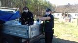 OSP Czarnowo we współpracy z OPS Krosno Odrzańskie dostarczyli żywność dla potrzebujących