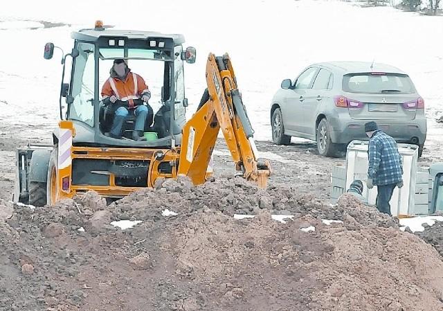 Świebodzin. Powstaje parking przy figurze ChrystusaFirma Herzog rozpoczęła prace przy budowie parkingów przy pomniku Chrystusa Króla.