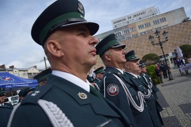 Główne uroczystości z okazji Dnia Krajowej Administracji Skarbowej odbyły się na Starym Rynku w Gorzowie.