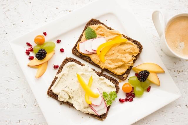 Pasty do kanapek to doskonały pomysł na pyszne śniadanie.