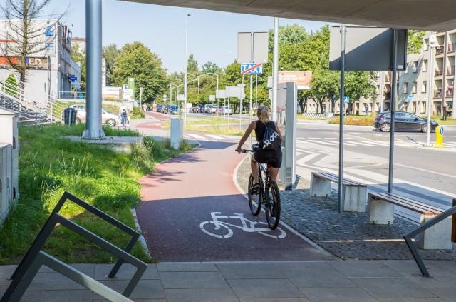 Droga rowerowa w Ligocie.Zobacz kolejne zdjęcia. Przesuwaj zdjęcia w prawo - naciśnij strzałkę lub przycisk NASTĘPNE