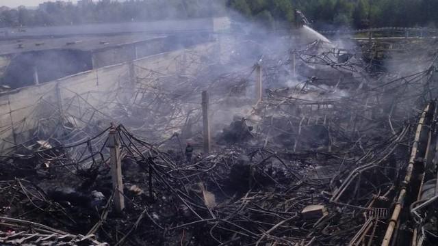Pożar w Zawierciu: Spłonęła hala papiernicza