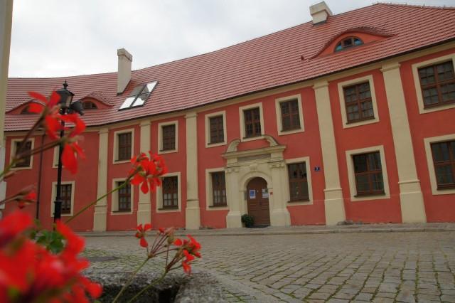 Koncert gitarowy odbędzie się w Muzeum Ziemi Wschowskiej przy pl. Farnym 3 we Wschowie.