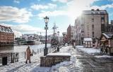 Zima wróciła do Gdańska 28.01.2021. Śnieg pokrył ponownie ulice miasta. Piękne zimowe zdjęcia!