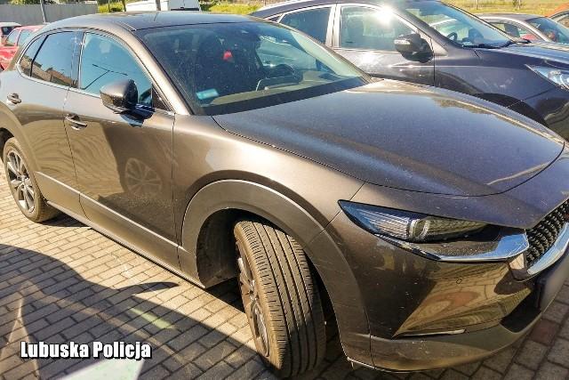Mazda została skradziona w grudniu zeszłego roku na terenie Belgii.