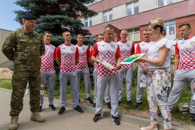 Chorwaccy żołnierze przekazali Fundacji Pomóż Im 2,5 tys. zł.