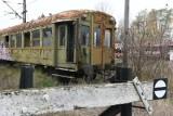 Zabytkowe wagony za prawie pół miliona złotych rdzewieją w Toruniu już od 10 lat. Jaki los je czeka? [Zdjęcia]