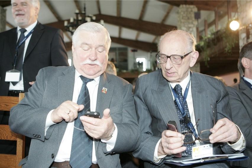 Władysław Bartoszewski i Lech Wałęsa, 2009 rok