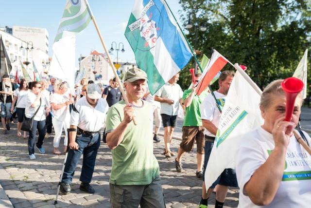 Protest przeciwników powiększenia Opola.