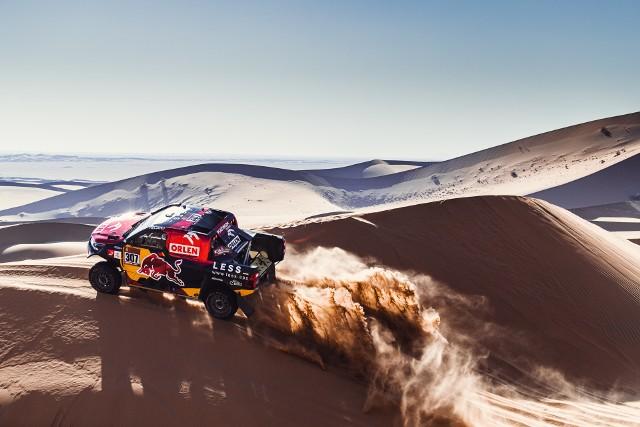 Polacy przeskoczyli wydmy i są w czubie klasyfikacji Rajdu Dakar