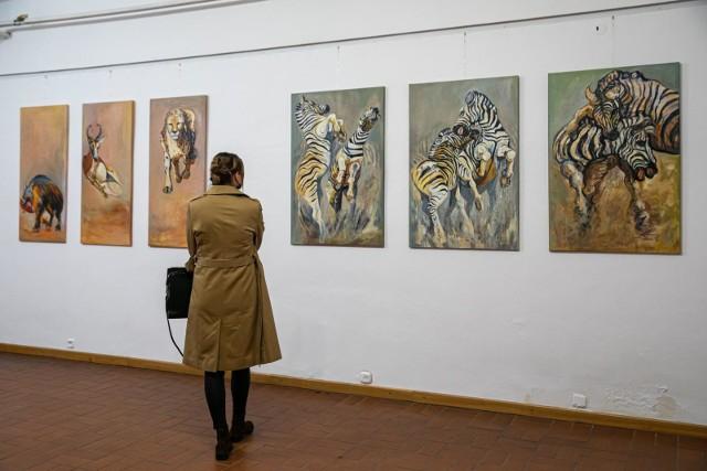 Egzotyczne zwierzęta i - szerzej - dzika natura były głównym tematem malarskich prac Marty Pleskaczyńskiej.