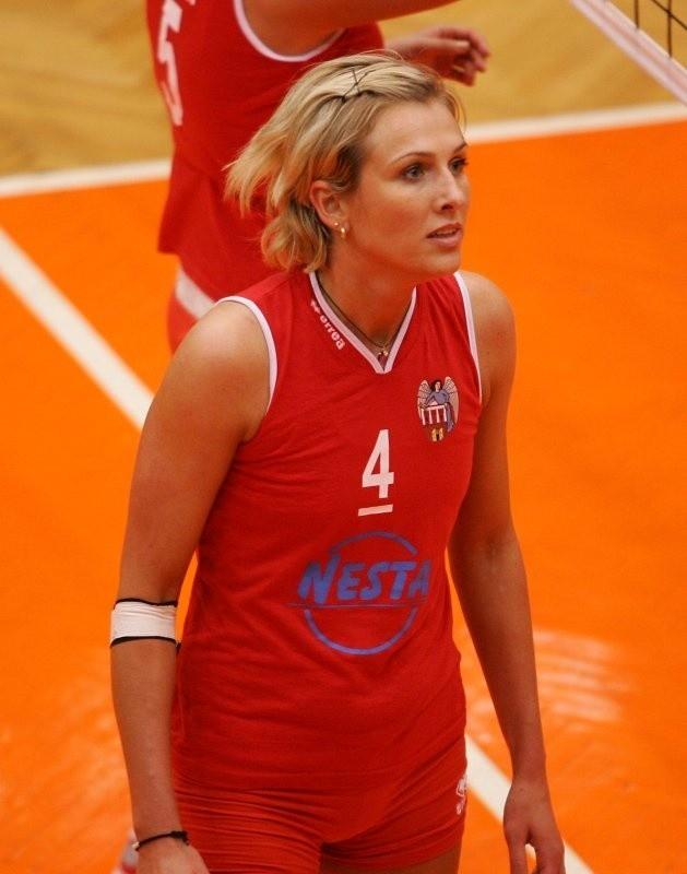 Główną siłą Budowlanych jest Maja Soja - była siatkarka Piasta Szczecin. A jej mąż, Mariusz Soja, jest trenerem toruńskiego zespołu.