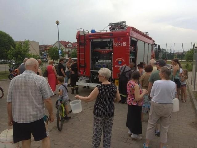 Pod koniec czerwca ze skażoną wodą zmagali się mieszkańcy Staszowa. Teraz podobny los spotkał gminę Szydłów.