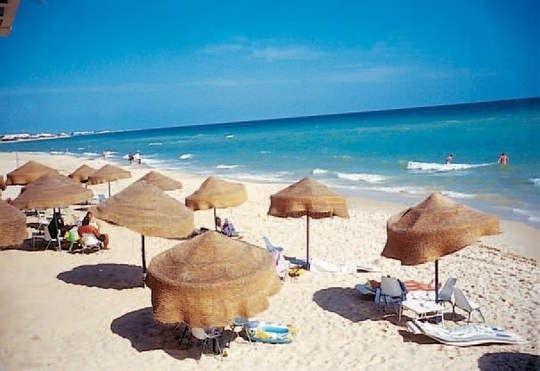 Co szósty turysta wybierający się na wczasy za granicę wyjeżdża do Tunezji