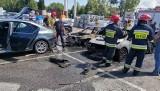 Dwa auta spalone, a cztery uszkodzone - to efekt pożaru przed marketem budowlanym w Gdańsku