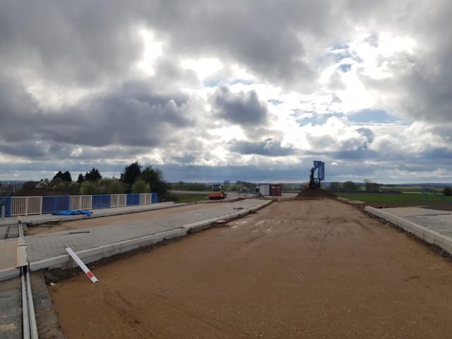 Tak wygląda obecnie budowa wiaduktu drogowego na odcinku obwodnicy Uhowa. To ostatni etap budowy drogi wojewódzkiej nr 682 na trasie Markowszczyzna - Łapy.