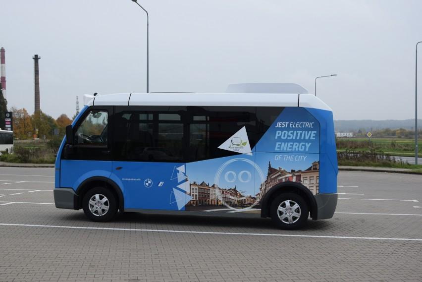 Elektryczny autobus Karsan zaprezentowano kierownictwu MZK...