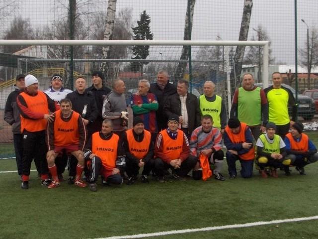 Zgodnie z tradycją jak każdego roku 1 stycznia o godzinie 12 Oldboye piłki nożnej ze Słupska Szwagry rozegrali po raz 22 noworoczny mecz w piłce nożnej.