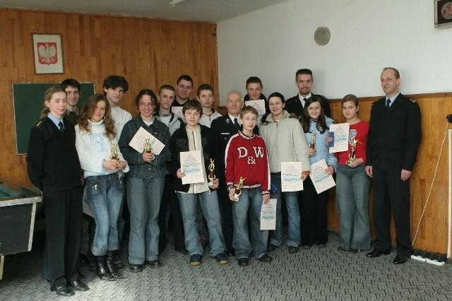 Oto uczestnicy turnieju ze strażakami. Najlepsi już 16 kwietnia będą w Szczecinie walczyć o udział w finale turnieju.