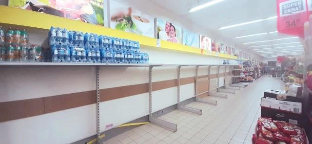 We Frankfurcie nad Odrą i w Słubicach brakuje niektórych produktów. Półki w sklepach świecą pustkami