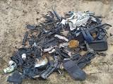 Ludzie wciąż wywożą śmieci do lasu! Takie zdjęcia zrobił Czytelnik, podczas biegania!