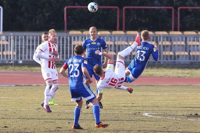 Murawa miejskiego stadionu Resovii jest najgorszą na szczeblu centralnym.
