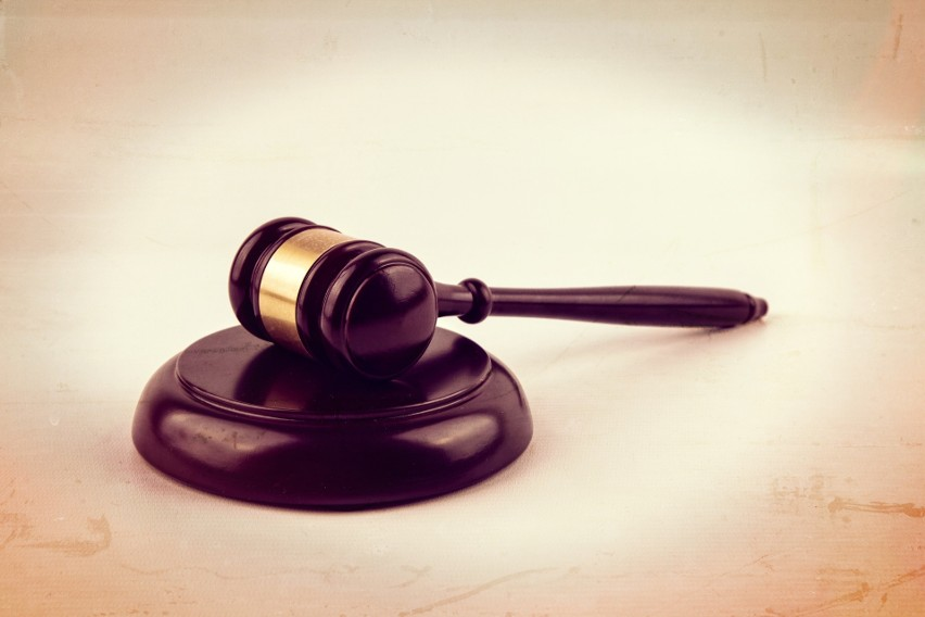 Opole. 24-latek, oskarżony o gwałcenie sióstr, stanął przed...