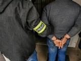 """Białystok. Wyłudzenia metodą """"na policjanta"""" i udział w gangu oszustów.  Mundurowi zatrzymali trzech podejrzanych (zdjęcia)"""
