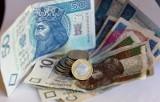 Budżet domowy 2020. Kto nie płaci rachunków za telefon oraz czynszu, jak polscy dłużnicy wypadają w Europie