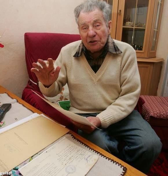 Wojciechowski pracował w milicji do marca 1946 r. Gdy jego partyzancka przeszłość w AK zaczęła uwierać szefów, przeszedł do skarbówki.
