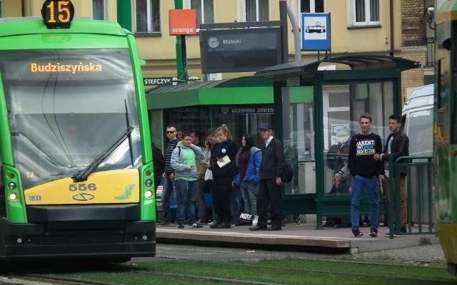 Do 30 września uczniowie z Poznania mogą korzystać z komunikacji miejskiej bezpłatnie (muszą mieć przy sobie legitymację szkolną). Od 1 października muszą już mieć bilety.