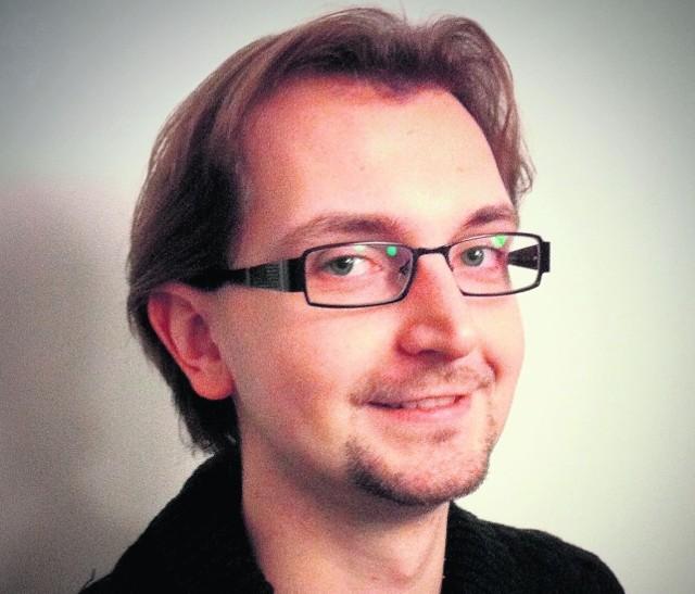 Błażej Lenkowski jest politologiem, prezesem Fundacji Industrial (Liberte, Szósta Dzielnica, 4liberty.eu)