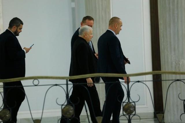 Komentarze po odejściu trzech posłów z Prawa i Sprawiedliwości. Zjednoczona Prawica bez większości w Sejmie