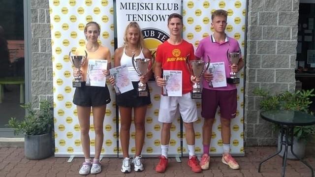 Finaliści turnieju na kortach MKT Łódź