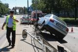 Wrocław: Audi staranowało przystanek tramwajowy