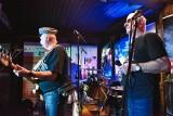 Old Breakout live w klubie Hard Rock Pub Pamela: Tadeusz Trzciński potwierdza, że to klub ze świetną publiką rozumiejącą bluesa [WIDEO]