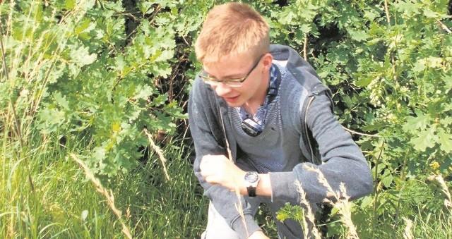 Jakub Lalewicz, absolwent Gimnazjum w Cieszkowach, ma megawynik egzaminu: cztery razy 100 procent! Korzysta z wakacji, relaksując się na łonie natury, a od września rozpocznie naukę w liceum.