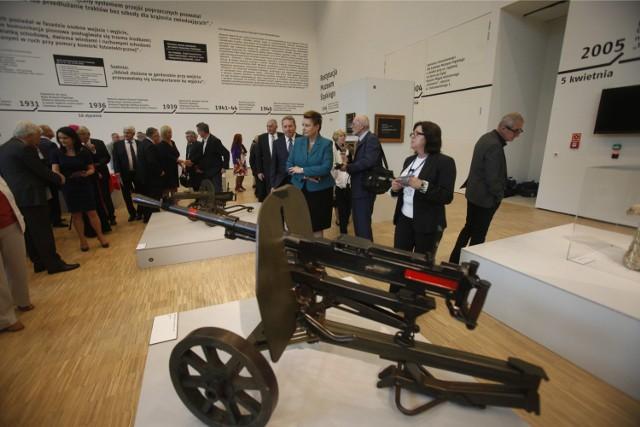 Nowe Muzeum Śląskie trzeba koniecznie zobaczyć, jego architekturę i surowe wnętrza, pięć wystaw stałych. Mamy powód do dumy