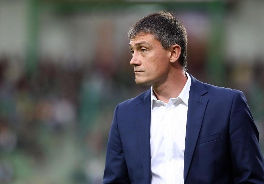 Trener Odry Mariusz Rumak z meczu na mecz cieszy się coraz mniejszym zaufaniem kibiców.