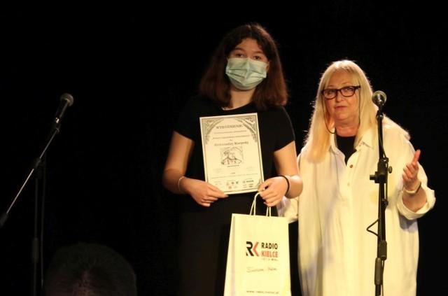 Alicja Nowosielska, uczennica I LO im. M. Reja w Jędrzejowie otrzymała Grand Prix konkursu.