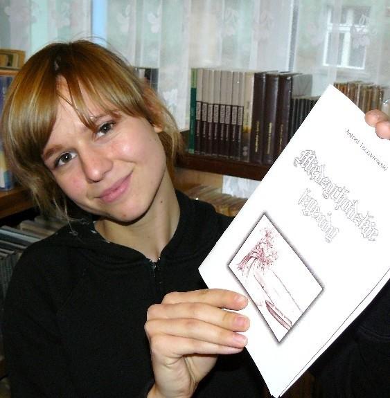 - Zbiór legend jest najnowszym nabytkiem w naszym dziale regionalny, mamy tam wiele pozycji o MIędzychodzie i okolicach - mówi Agnieszka Kujawa, która odbywa staż w bibliotece.