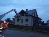 Przewłoka, gmina Łoniów. Pożar domu od uderzenia pioruna? Dziesięć zastępów straży pożarnej w akcji