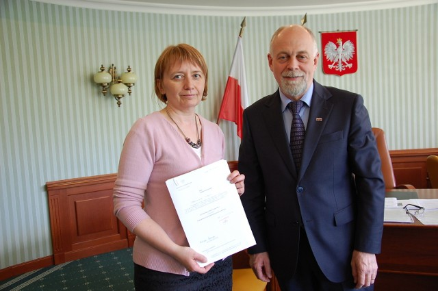 Wojewoda Wielkopolski wręczył nominację Jolancie Goszczyńskiej.