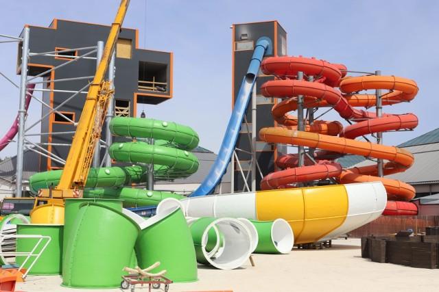 Choć baseny są jeszcze zamknięte, łódzki aquapark Fala przygotowuje się do otwarcia. Dla amatorów wodnego szaleństwa przygotowuje kolejne atrakcje. Powstaną nowe zjeżdżalnie. Czytaj, zobacz ZDJĘCIA na kolejnych slajdach