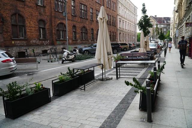 Poznańskie ulice po remoncie nabierają nowego kształtu. Czy osoby, które prowadzą tam swój handel są z tego tytułu zadowoleni?