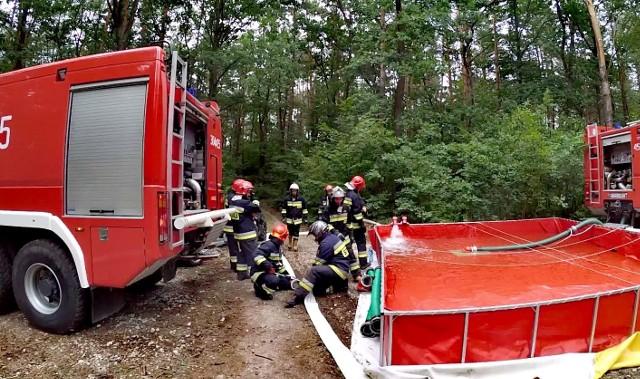 """Podczas zintegrowanych ćwiczeń powiatowych """"Ruda 2018"""" doskonalono współdziałanie służb ratowniczych."""